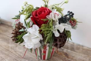 Новогодняя композиция в подарок! Цветы из силикона, посмотрите!