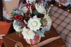 Новогодняя композиция с цветами из экосиликона - новогодний подарок!