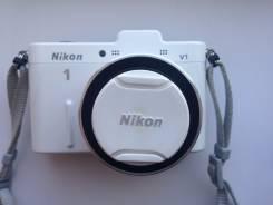 Nikon 1 V1 Kit. 10 - 14.9 Мп, зум: 3х