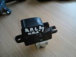 Кнопка стеклоподъемника. Nissan Almera, N16