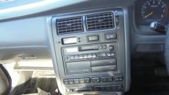 Консоль магнитофона Toyota CORONA