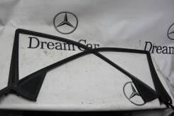 Рамка стекла. Mercedes-Benz E-Class, W210