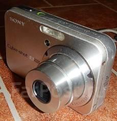 Sony Cyber-shot DSC-N1. 8 - 8.9 Мп, зум: 3х