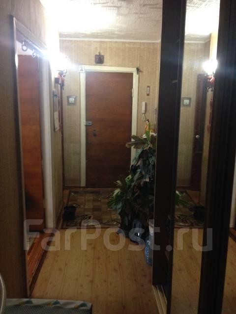 3-комнатная, улица Сахалинская 32. Тихая, частное лицо, 62 кв.м. Прихожая
