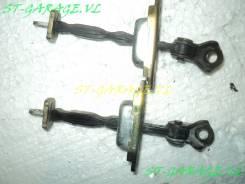 Ограничитель двери. Toyota Celica, ZZT230, ZZT231 Двигатели: 1ZZFE, 2ZZGE