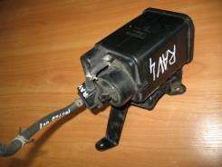 Фильтр паров топлива (адсорбер), Toyota RAV4, ACA21, 1AZ-FE.