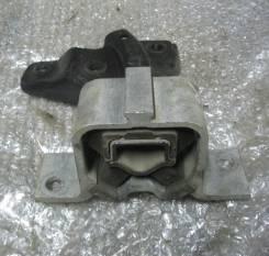 Подушка двигателя. Renault Logan Двигатели: K7J, K7M