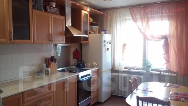 3-комнатная, улица Демьяна Бедного 21. Железнодорожный, агентство, 68 кв.м.