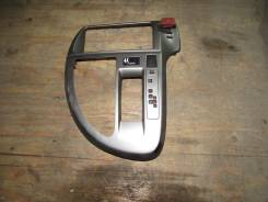 Консоль магнитофона Toyota RACTIS