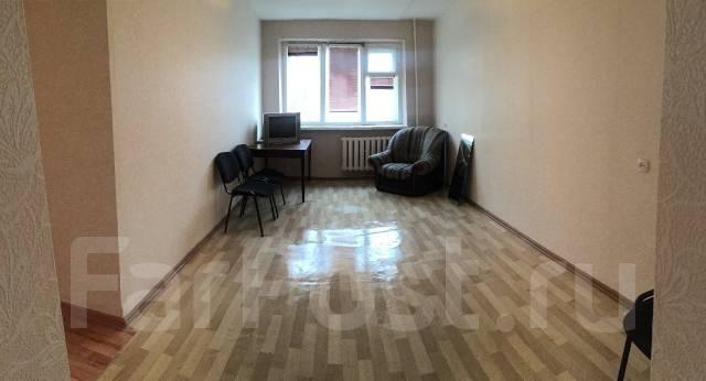 3-комнатная, проспект 100-летия Владивостока 100. Вторая речка, частное лицо, 60 кв.м. Комната