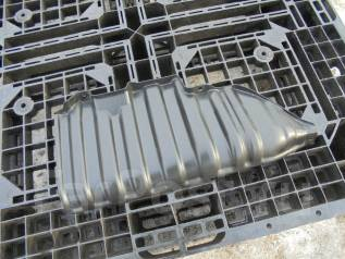 Защита топливного бака. Toyota Noah, AZR65G Двигатель 1AZFSE
