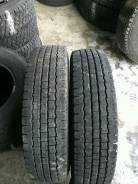 Bridgestone Blizzak Revo 969. Зимние, без шипов, 2012 год, износ: 40%, 2 шт