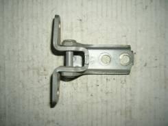 Крепление боковой двери. Mitsubishi Dingo, CQ1A Двигатель 4G13