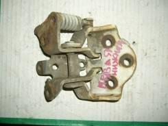 Крепление боковой двери. Nissan Atlas, AGF22 Двигатель TD27