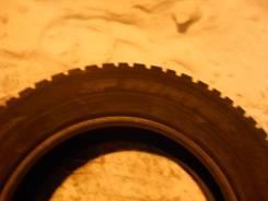 Dunlop SP Winter. Зимние, шипованные, 2014 год, износ: 5%, 4 шт
