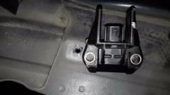 Датчик airbag. Subaru Legacy, BPH, BLE, BP5, BL5, BP9, BL9, BPE Subaru Forester, SH5 Subaru Impreza, GH3, GH2, GH8, GH7, GE3, GE2 Subaru Exiga, YA9, Y...