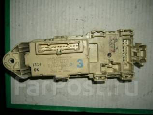Блок предохранителей. Toyota Hilux Surf, LN130G Двигатель 2LTE