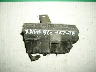 Блок предохранителей. Toyota Hiace, KZH106G Двигатель 1KZTE