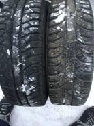 Bridgestone Ice Cruiser 5000. Зимние, шипованные, 2012 год, износ: 30%, 2 шт