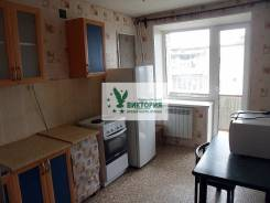 1-комнатная, улица Васнецова 10/1. 17 км, агентство, 38 кв.м. Кухня