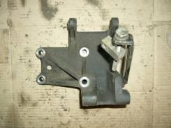 Подушка двигателя. Nissan Laurel Двигатель RD28