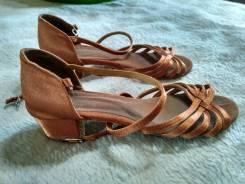 Туфли бальные. 34