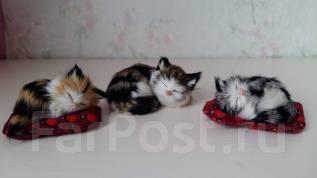 Сувенир Кошечка с котятами