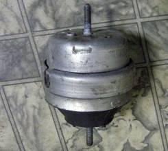 Подушка двигателя. Volkswagen Passat Audi A4, B5