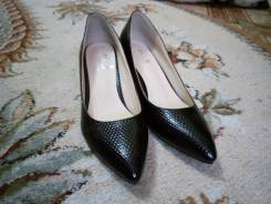 Туфли-лодочки. 36, 37