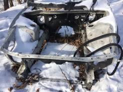Передняя часть автомобиля. Toyota Chaser