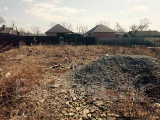 Продам участок с адресом в центре Артема. 600 кв.м., собственность, электричество, вода, от частного лица (собственник). Фото участка