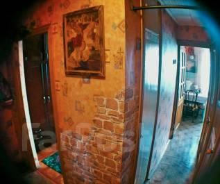 3-комнатная, улица Пирогова 15. 1 участок/горбольница, частное лицо, 61 кв.м. Прихожая