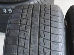 Bridgestone Blizzak Revo1. Всесезонные, износ: 30%, 2 шт