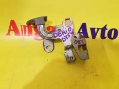 Ручка открывания бензобака. Mazda Demio, DY5W Двигатель ZYVE