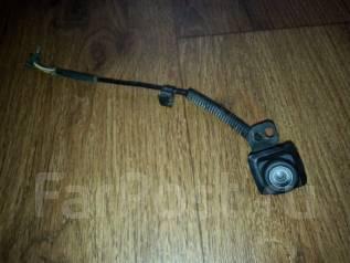 Камера заднего вида. Toyota Voxy