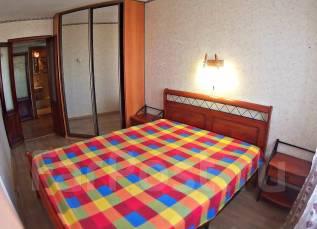 2-комнатная, проспект 100-летия Владивостока 58. Столетие, 52 кв.м. Комната