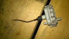 Кнопка открывания багажника. Audi A8, D2