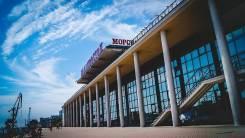 Торговые помещения в центре Владивостока от 27,5 до 120,8 кв. м. 176 кв.м., улица Нижнепортовая 1, р-н Центр. Дом снаружи