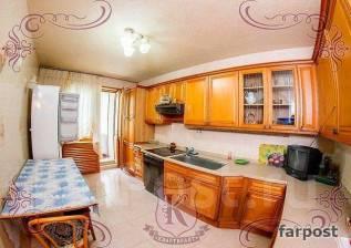 4-комнатная, улица Харьковская 6. Чуркин, агентство, 120 кв.м. Кухня