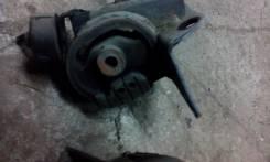 Подушка двигателя. Toyota Voxy, AZR65