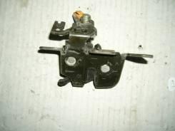 Замок крышки багажника. Mazda Demio, DW3W Двигатель B3E