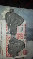 Крепление радиатора. Nissan AD, WHNY11