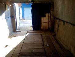 Продам Гараж 18 м2, недорого. улица Ширямова 12Б, р-н октябрьский, 18 кв.м., электричество, подвал.