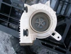 Вентилятор охлаждения радиатора. Toyota Prius, ZVW30 Двигатель 2ZRFXE