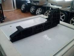 Крепление бампера. Toyota Hiace, KDH200V