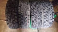 Dunlop SP Winter ICE 01. Зимние, шипованные, 2015 год, износ: 10%, 4 шт