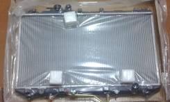 Радиатор охлаждения двигателя. Toyota Camry