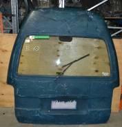 Дверь багажника. Toyota Hiace