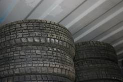 Goodyear UltraGrip Ice Navi Zea. Зимние, износ: 10%, 2 шт