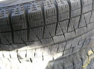 Bridgestone. Зимние, без шипов, 2013 год, износ: 5%, 2 шт